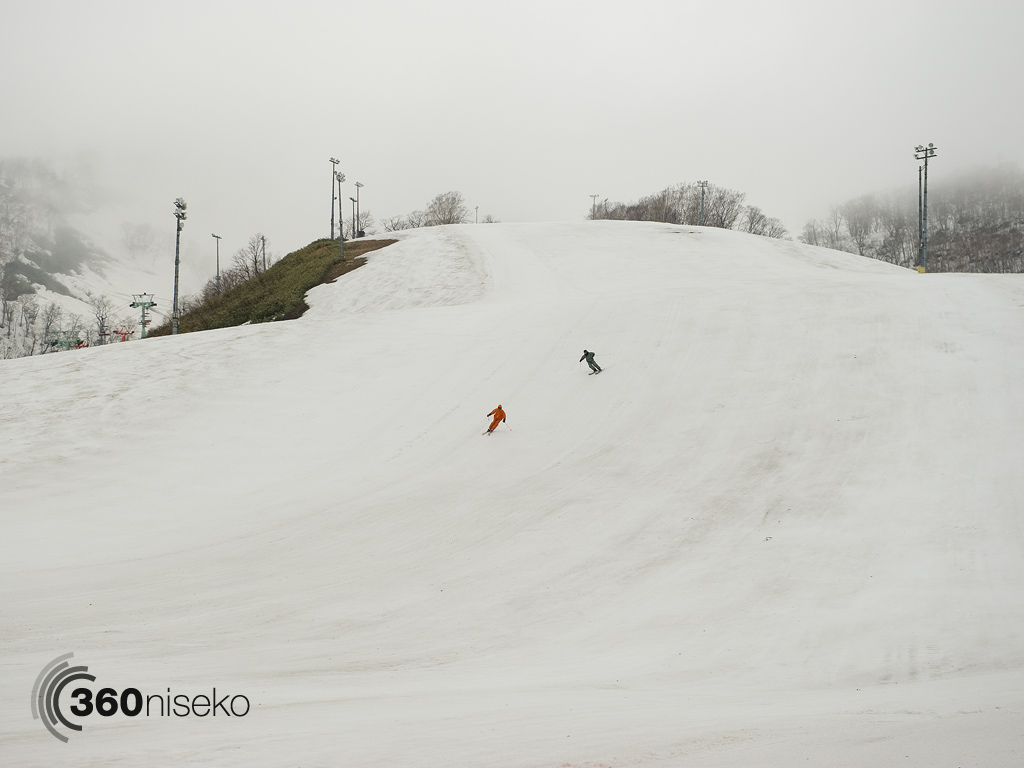 The first 2 skiers down, 6 May 2013