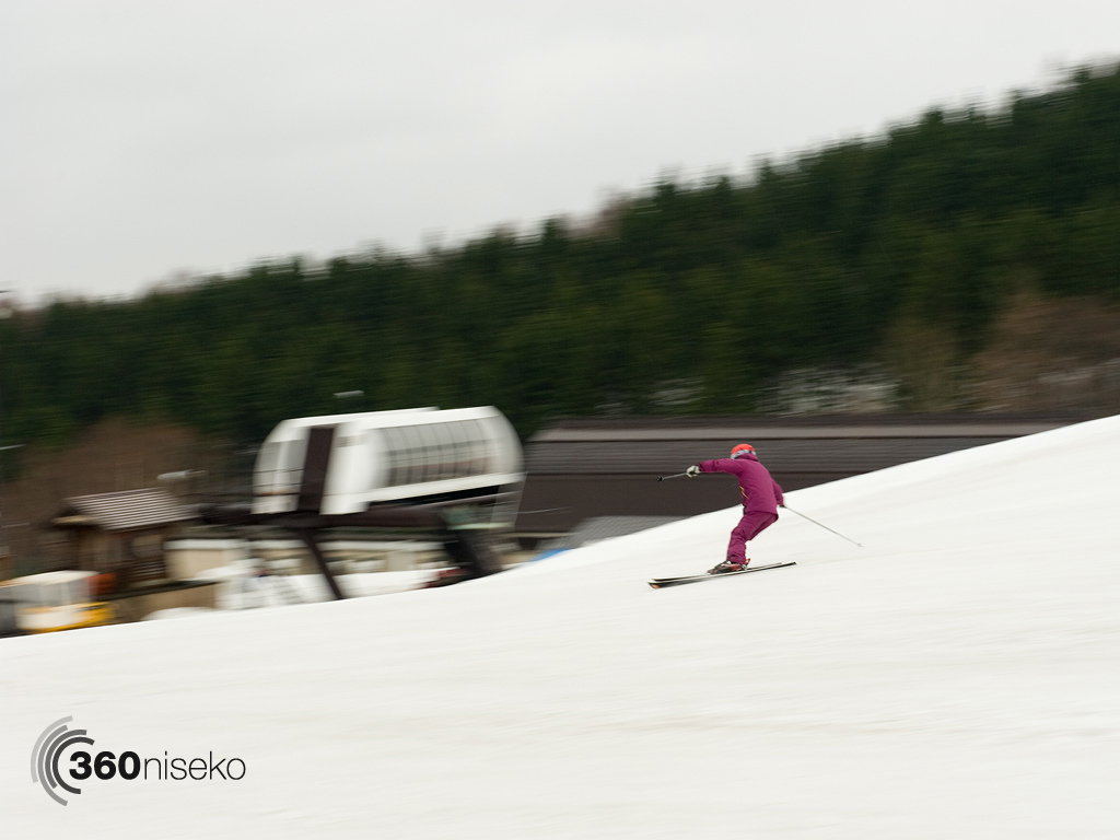 Carving down the Alpen course in a blur, 6 May 2013