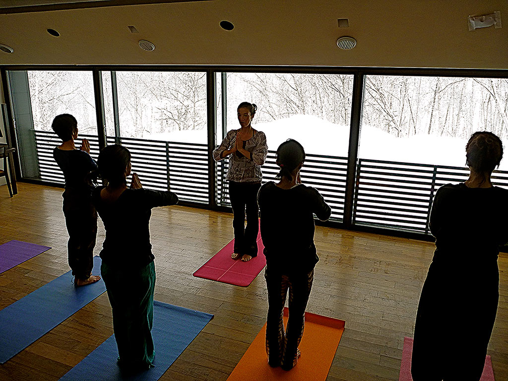 powder-yoga-group