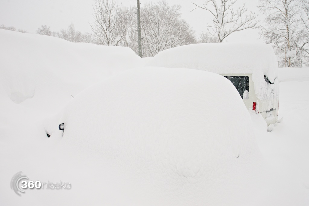 Niseko-Street-January-2014-Buried-Cars
