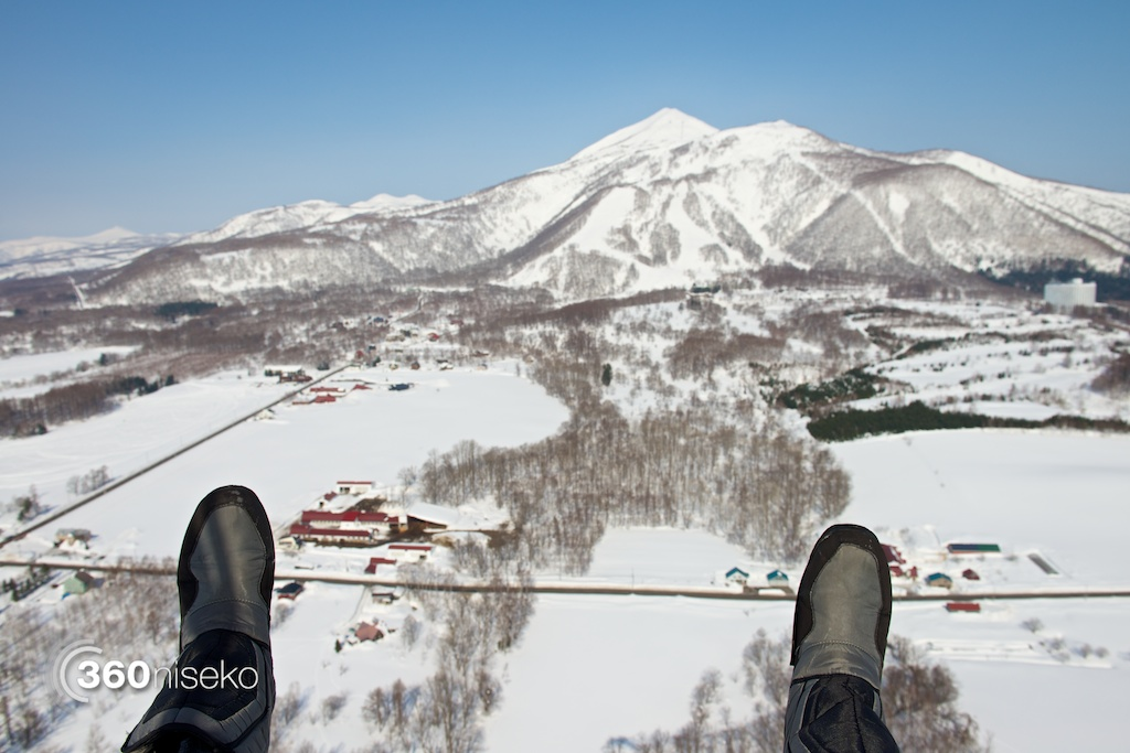 Niseko-motor-paragliding-6