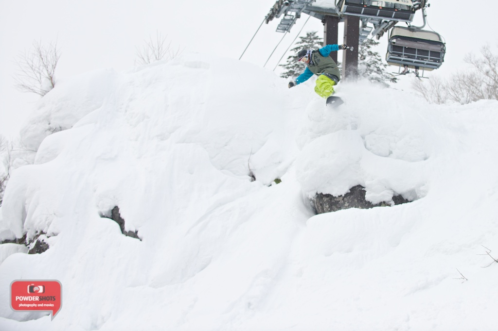 rusutsu-off-piste-small-cliff-drop