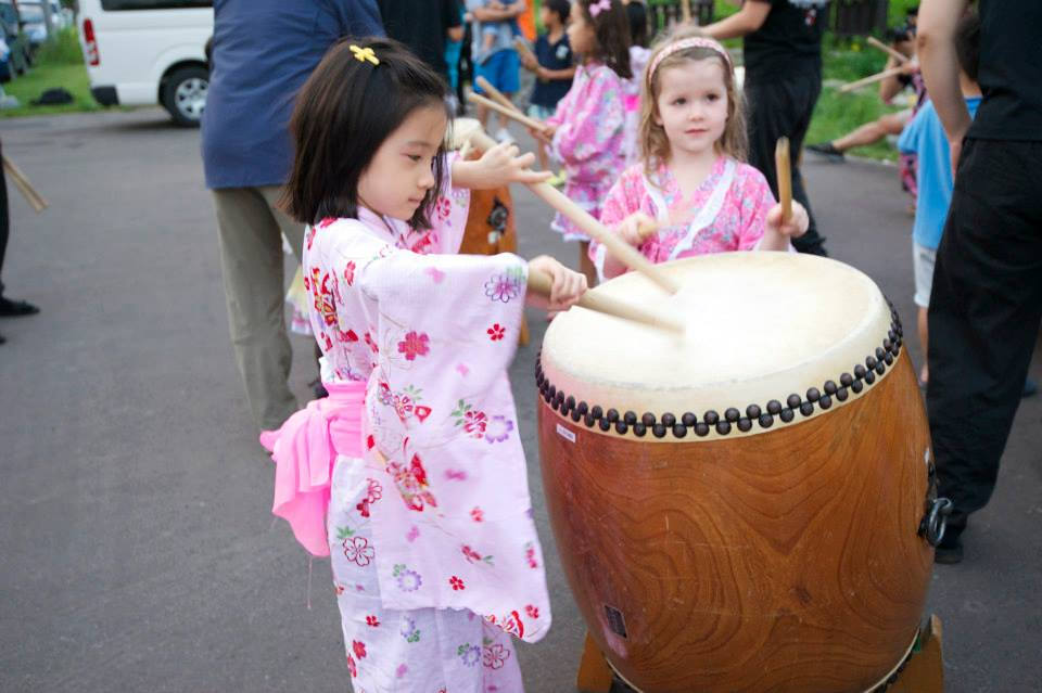 edventure-niseko-summer-camp-japanese-taiko-drums