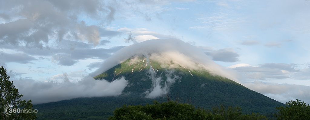 Mt.Yotei briefly emerges from the clouds, 9 June 2014