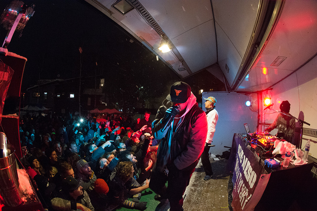 Bliss n Eso send the crowd into a frenzy, 2 February 2015