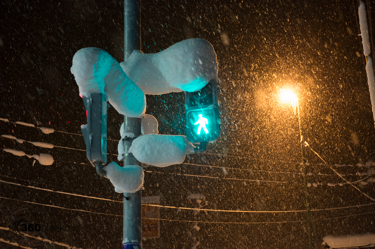 Snow stacking up in the traffic signals!