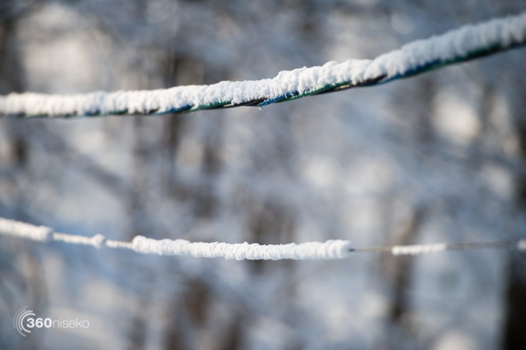 Powder clinging to everything even power cables, 4 December 2017