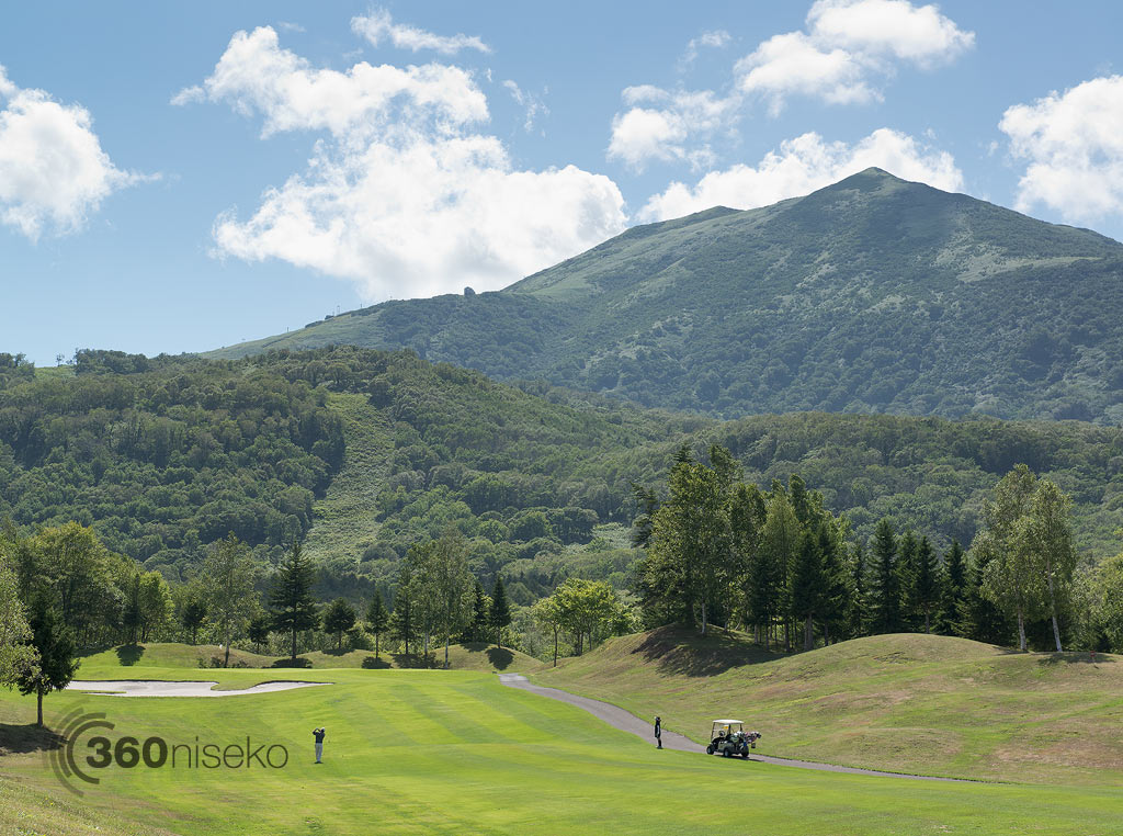 Golfers making the most of the great weather in Hanazono, 28 August 2013
