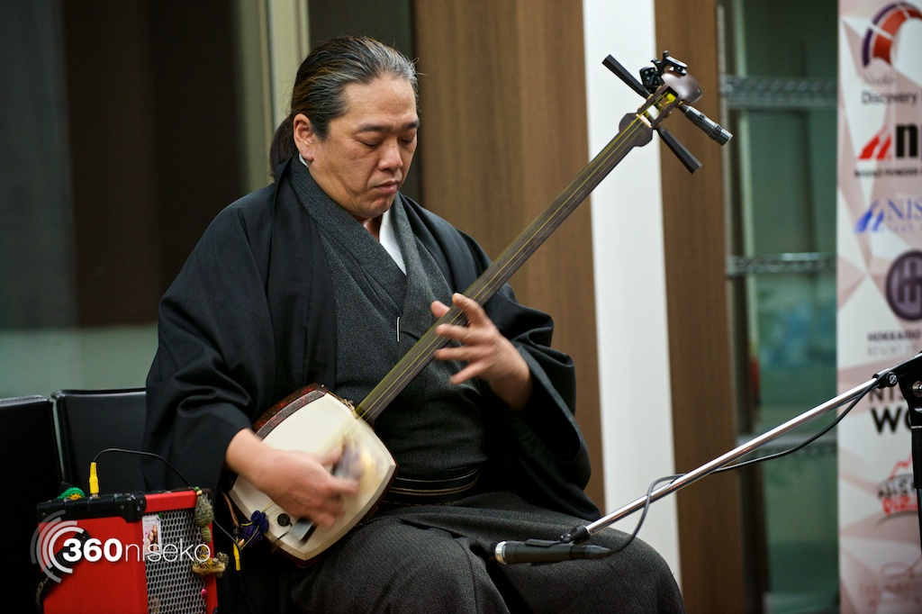 Suginaka-san on the shamisen