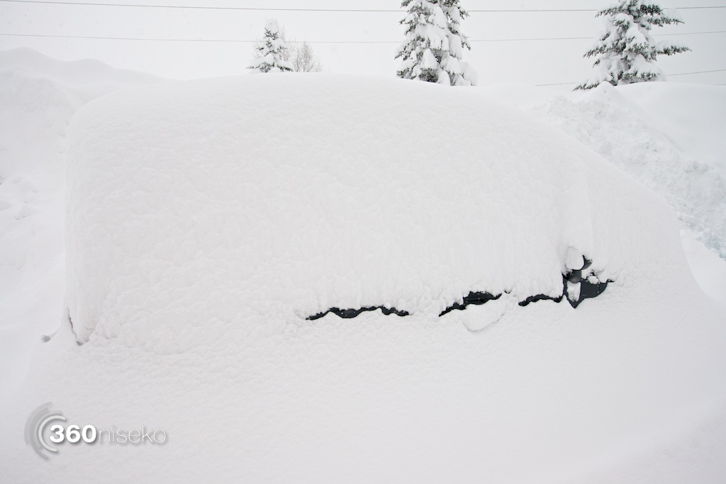 Niseko-Street-January-2014-Buried-Car