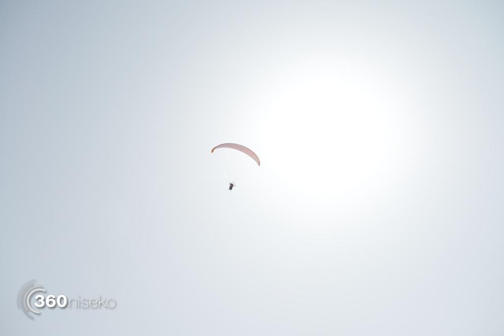 Niseko-motor-paragliding-11
