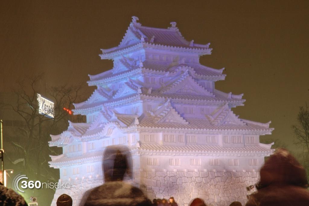 Sapporo-Snow-Festival-2014-castle