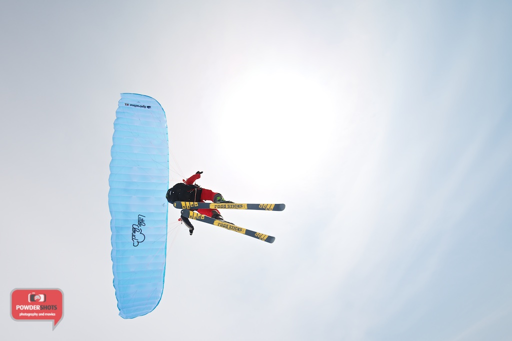 Paragliding-Mount-Yotei-Niseko-2014-flying