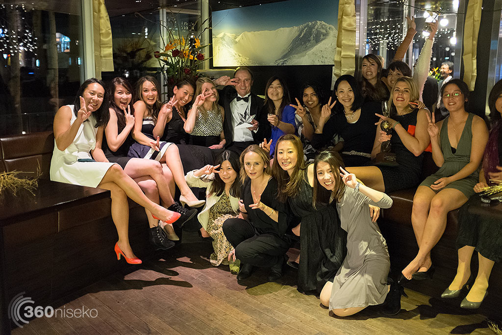 Jonathan and a bevy of beautiful women