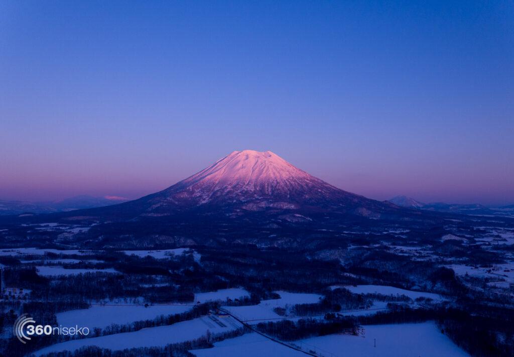 A pink Mt.Yotei,  8 January 2017