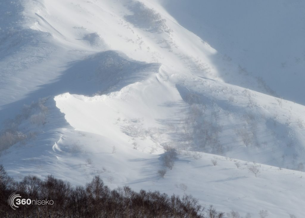 Wind loaded cornices, 24 January 2017