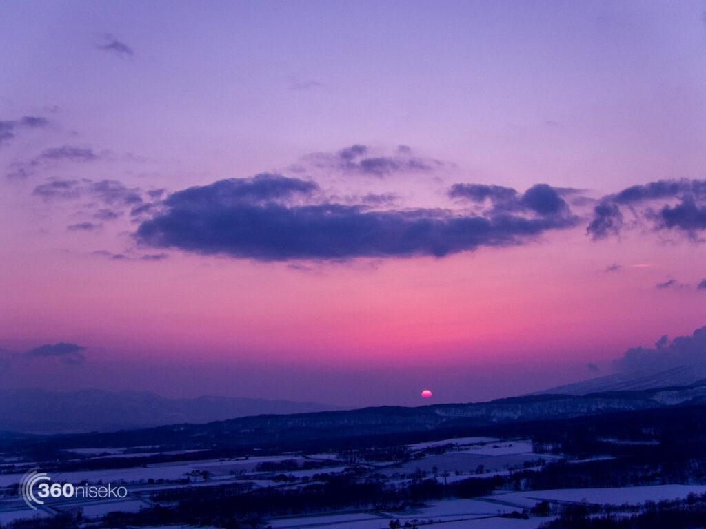 The setting sun, 3 April 2017